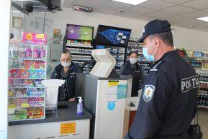 Membrii Comisiei extraordinare de Sănătate publică Şoldăneşti monitorizează nivelul de conformare cu restricţiile legate de pandemie