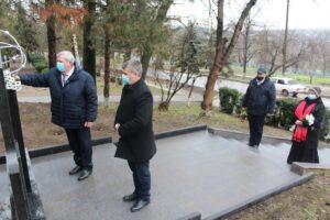 Prin depuneri de flori a fost cinstit eroismul participanților la lichidarea consecințelor avariei de la Cernobîl