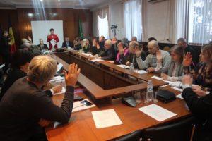 Consilierii raionali s-au întrunit în şedinţă extraordinară
